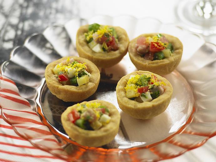 "**[Tuna niçoise tarts](https://www.womensweeklyfood.com.au/recipes/tuna-nicoise-tarts-10247|target=""_blank"")**"