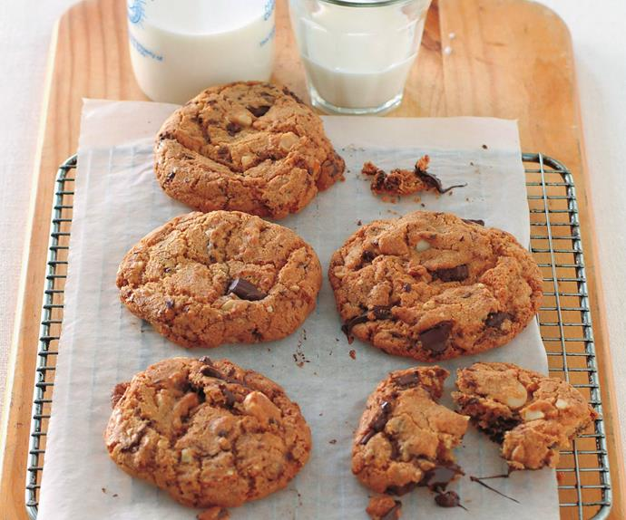chunky chewy choc-chip cookies