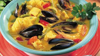 Mixed seafood coconut curry