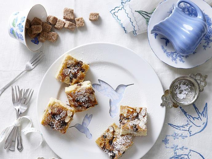 "**[Fruit mince squares](https://www.womensweeklyfood.com.au/recipes/fruit-mince-squares-9708|target=""_blank"")**"