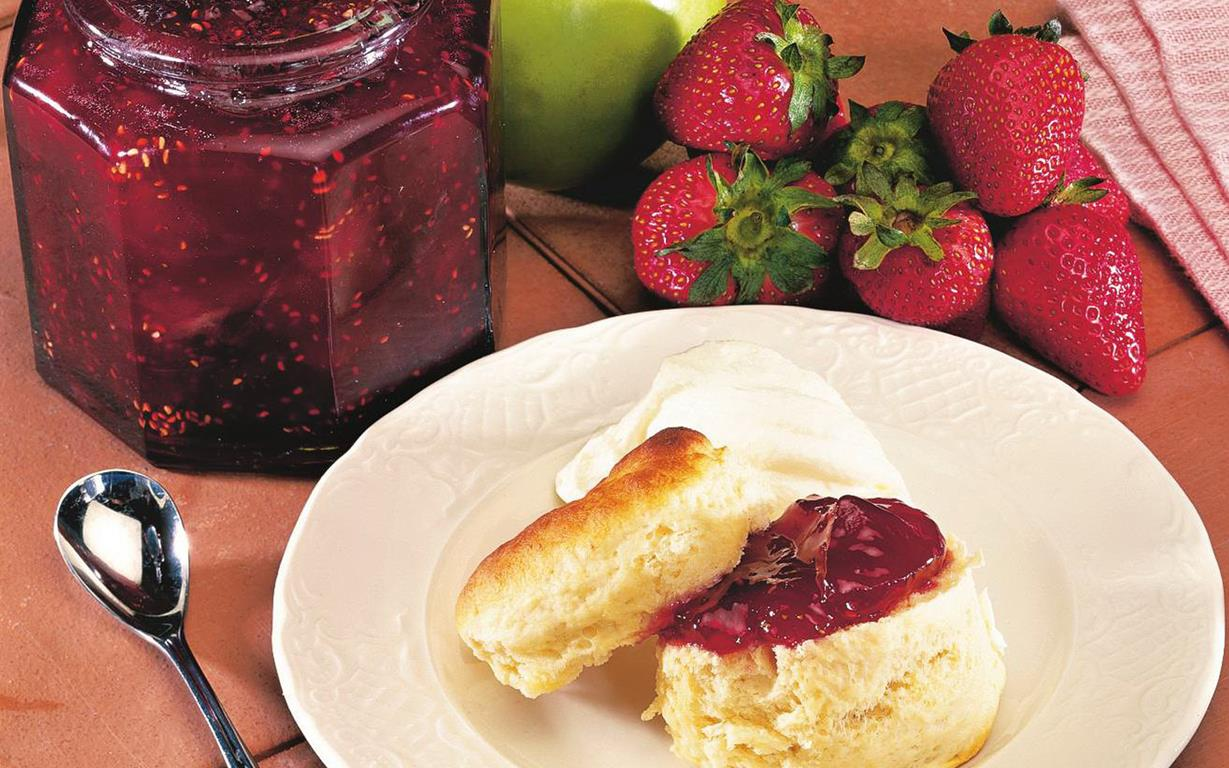 Jun 26, · Here's a quick and easy berry jam recipe with just two ingredients. Importantly, this simple jam has that naturally delicious, flavor-packed taste that all jam lovers crave. Importantly, this simple jam has that naturally delicious, flavor-packed taste that all jam lovers crave.