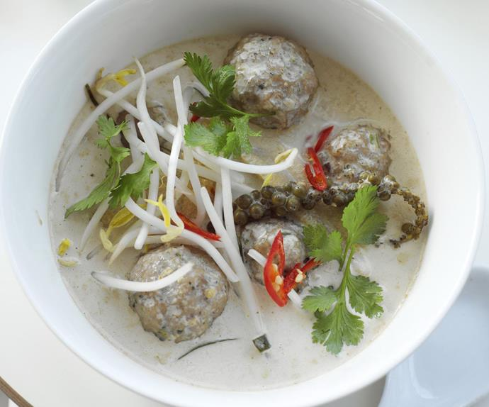 fish ball and green peppercorn red curry