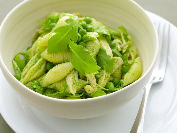 "**[Chicken pasta salad](https://www.womensweeklyfood.com.au/recipes/chicken-pasta-salad-9540|target=""_blank"")**"