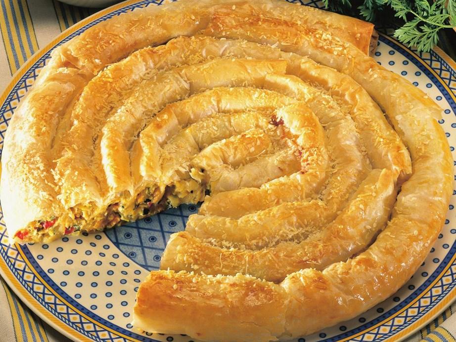 "**[Zucchini and feta spiral](https://www.womensweeklyfood.com.au/recipes/zucchini-and-feta-spiral-8688 target=""_blank"")**"