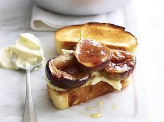 glazed fig bruschetta