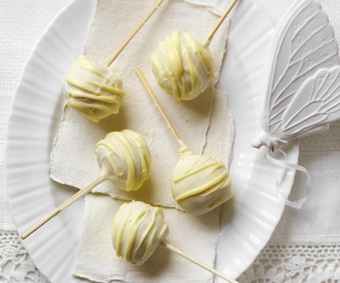 white chocolate passionfruit popcakes