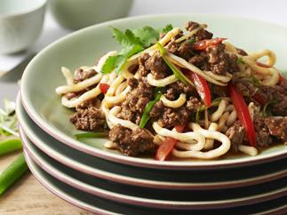 udon noodles with beef and tomato