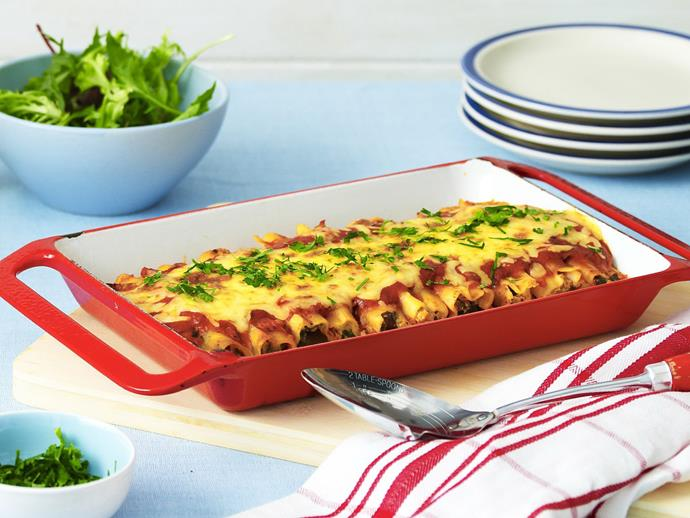 """[Chicken, spinach and ricotta cannelloni](https://www.womensweeklyfood.com.au/recipes/chicken-spinach-and-ricotta-cannelloni-8634