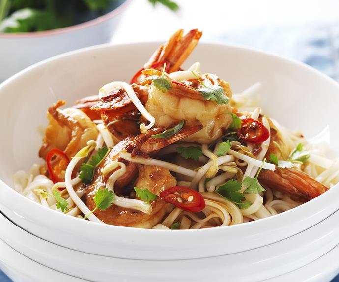prawn and noodle stir-fry