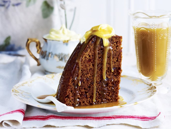 sticky date and fig steamed pudding