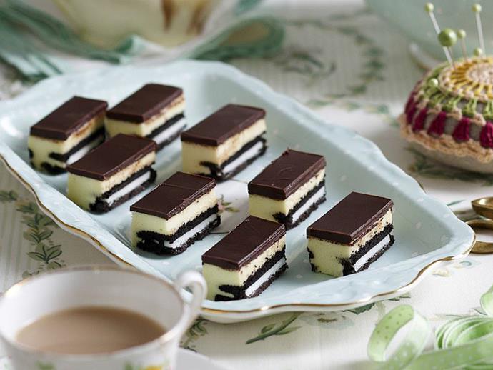 "**[Cookies and cream cheesecake slice](https://www.womensweeklyfood.com.au/recipes/cookies-and-cream-cheesecake-slice-3100|target=""_blank"")**"