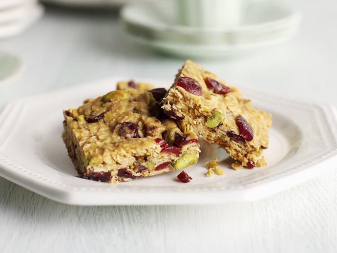 "**[Craisin and pistachio muesli slice](https://www.womensweeklyfood.com.au/recipes/craisin-and-pistachio-muesli-slice-8324|target=""_blank"")**"