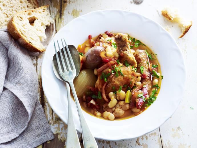 "**[Chicken cassoulet](https://www.womensweeklyfood.com.au/recipes/chicken-cassoulet-7726|target=""_blank"")**"