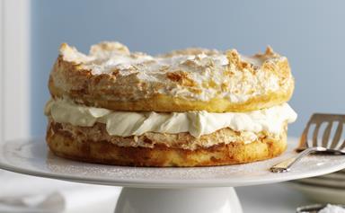 Pineapple cake with malibu cream