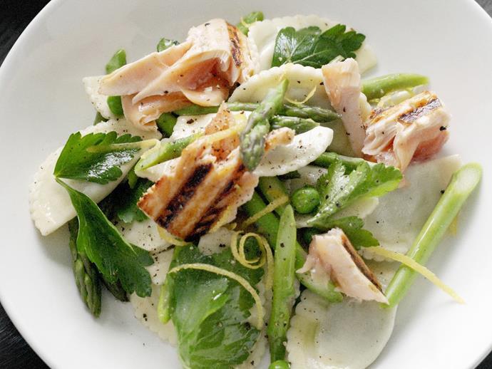 "**[Warm lemon-herbed pasta and fresh salmon salad](http://www.womensweeklyfood.com.au/recipes/warm-lemon-herbed-pasta-and-fresh-salmon-salad-7776|target=""_blank"")**"