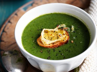 spinach, rocket & pea soup with brie croûtes