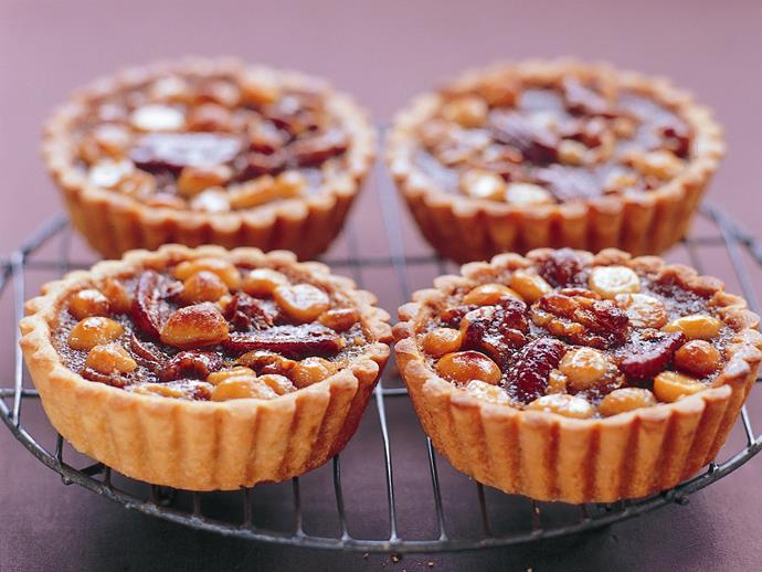 "**[Pecan, macadamia and walnut tartlets](https://www.womensweeklyfood.com.au/recipes/pecan-macadamia-and-walnut-tartlets-3151|target=""_blank"")**"