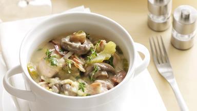 Creamy mushroom, leek and chicken casserole