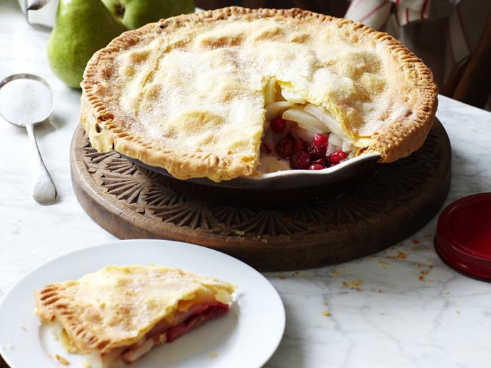 "**[Pear cranberry pie](https://www.womensweeklyfood.com.au/recipes/pear-cranberry-pie-2976|target=""_blank"")**"
