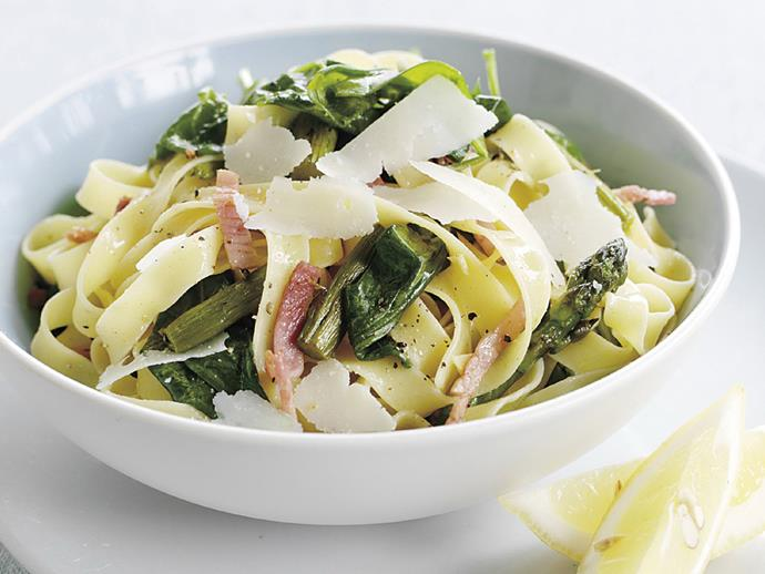 "**[Fettuccine with ham, spinach and asparagus](https://www.womensweeklyfood.com.au/recipes/fettuccine-with-ham-spinach-and-asparagus-14648|target=""_blank"")**"