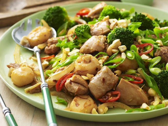 "**[Cashew chicken with water chestnuts and broccoli](https://www.womensweeklyfood.com.au/recipes/cashew-chicken-with-water-chestnuts-and-broccoli-13978|target=""_blank"")**  Mix up your stir-fry dinners with this cashew and water chestnut recipe."