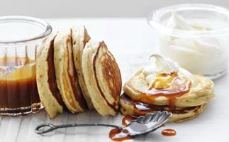 BANOFFEE PIKELETS with Cinnamon Cream
