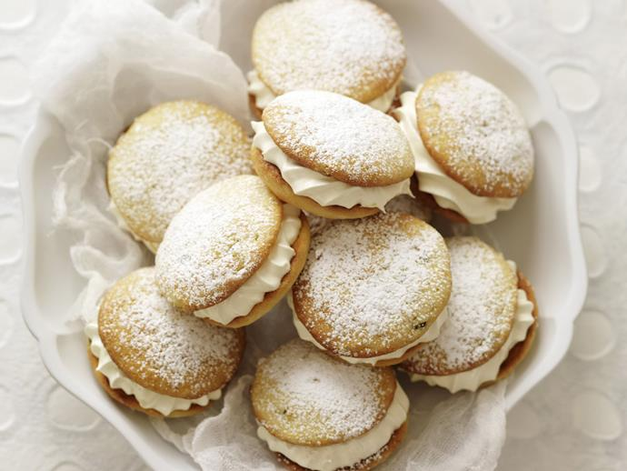 """**[White chocolate and passionfruit whoopie pies](https://www.womensweeklyfood.com.au/recipes/white-chocolate-and-passionfruit-whoopie-pies-13126