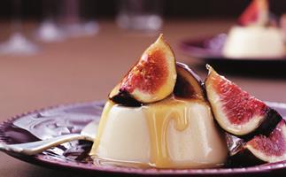clove panna cotta with fresh figs