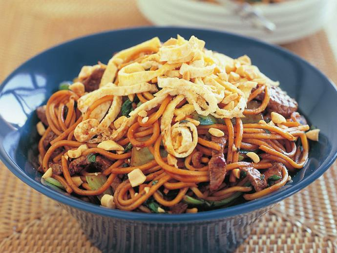 "**[Beef mee goreng](https://www.womensweeklyfood.com.au/recipes/beef-mee-goreng-16561|target=""_blank"")**"