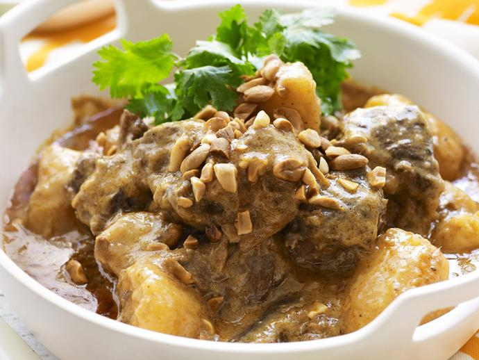 "**[Beef massaman curry with jasmine rice](https://www.womensweeklyfood.com.au/recipes/beef-massaman-curry-with-jasmine-rice-11442|target=""_blank"")**  A slow-cooked, meltingly-tender, divinely rich Thai beef curry topped with crunchy peanuts."
