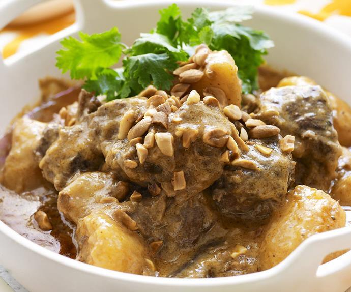 beef massaman curry with jasmine rice