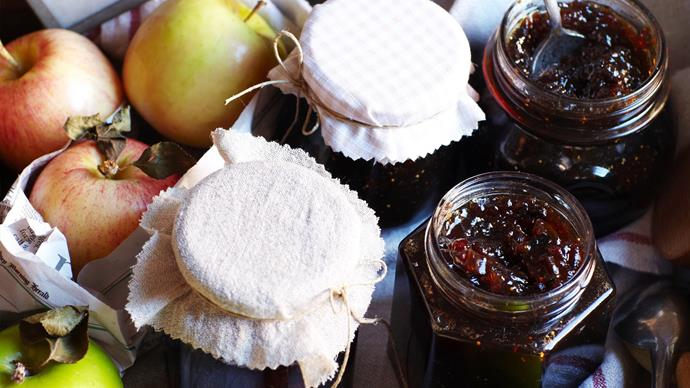 How to sterilise and seal glass jars