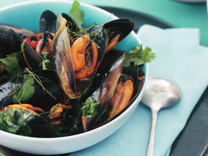 """**[Asian stir-fried mussels](https://www.womensweeklyfood.com.au/recipes/asian-stir-fried-mussels-10884