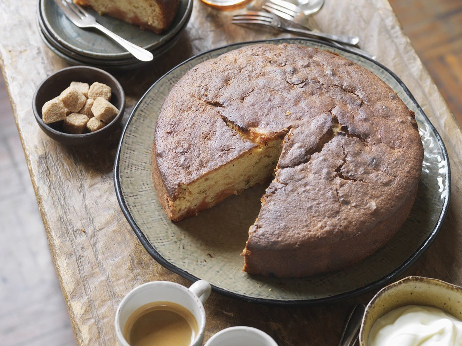 """With hints of cardamom and orange, this rustic [quince and pistachio cake](https://www.womensweeklyfood.com.au/recipes/quince-and-pistachio-cake-10476