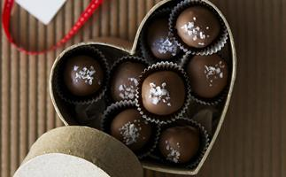 24 sweet chocolate truffles for Valentine's Day