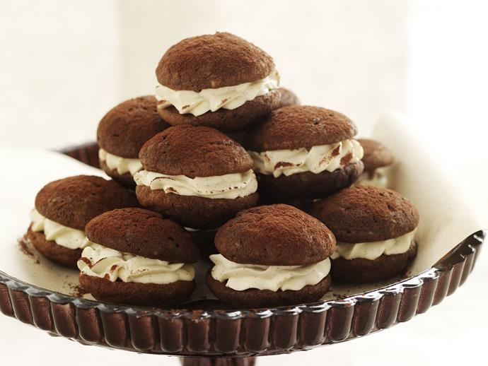 "[Coffee-flavoured whoopie pies](https://www.womensweeklyfood.com.au/recipes/cappuccino-whoopie-pies-8693|target=""_blank"") with a delightful dusting of chocolate are a soft and satisfying treat for the coffee lover in your life."