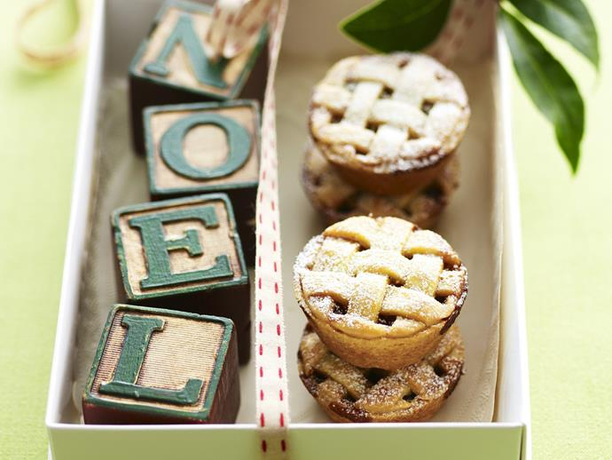 "**[Fig mince pies](https://www.womensweeklyfood.com.au/recipes/fig-mince-pies-8846|target=""_blank"")**"