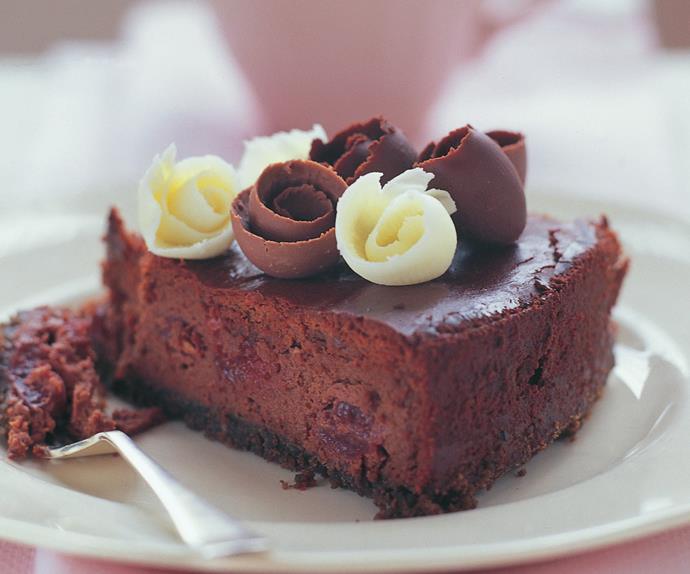 ripe cherry cheesecake