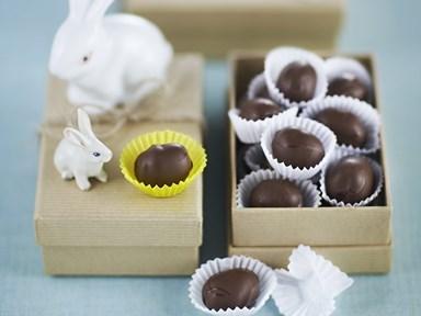 Chocolate marzipan almonds
