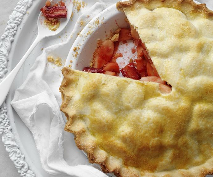 OLD-FASHIONED Apple and Rhubarb Pie