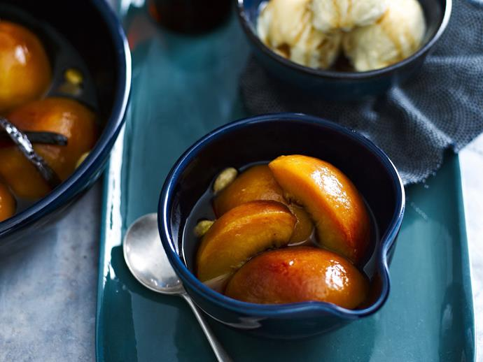 "**[Roasted peach and nectarine compote](https://www.womensweeklyfood.com.au/recipes/roasted-peach-and-nectarine-compote-3236|target=""_blank"")**"
