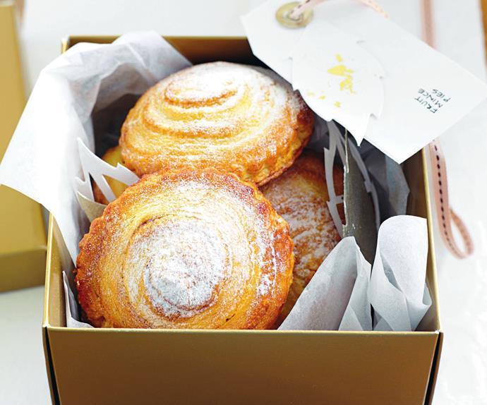 fruit mince swirl pies