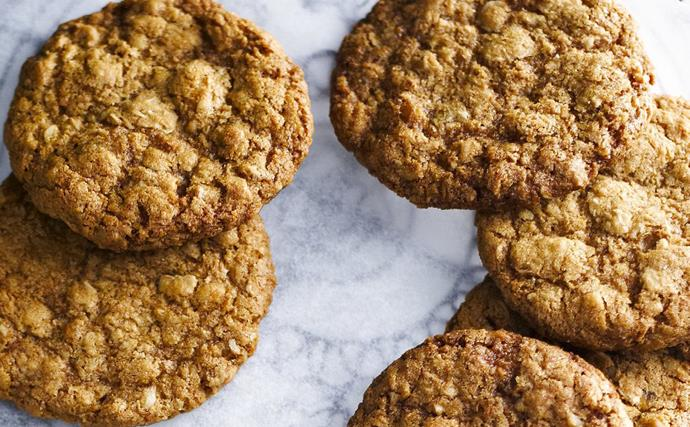 MACADAMIA Anzac Biscuits