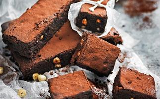 Sugar-free chocolate hazelnut brownies