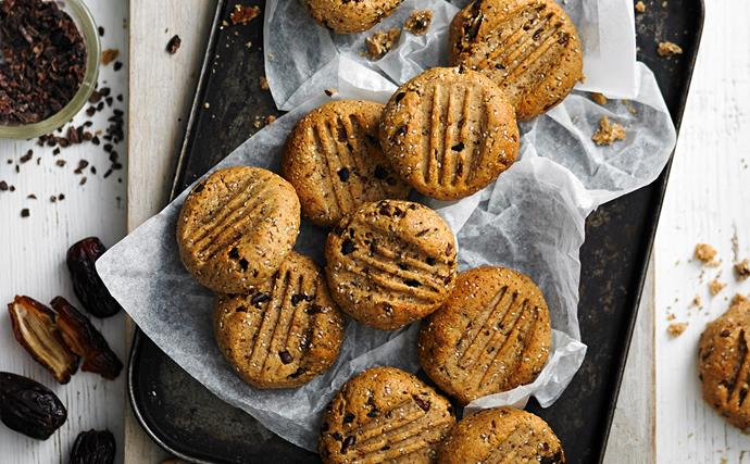 Dairy-free hazelnut and cacao cookies