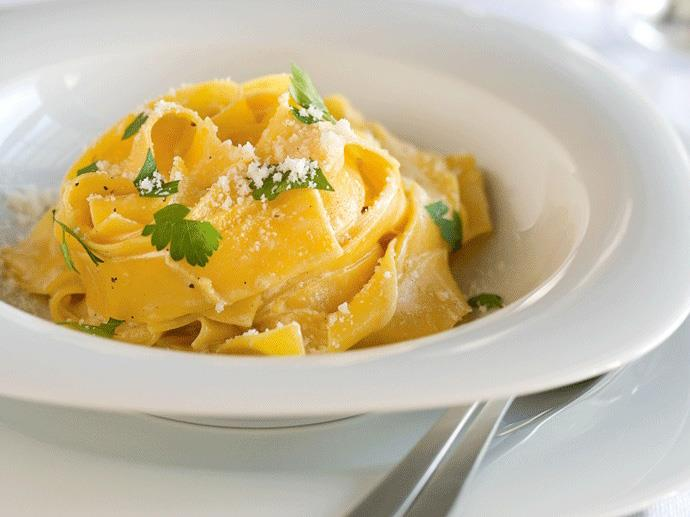 "**[Lemon pasta:] (https://www.womensweeklyfood.com.au/recipes/lemon-pasta-25759|target=""_blank"")** The rich cream sauce is balanced beautifully with a hint of lemon zest. Make the sauce as the pasta boils to serve immediately."