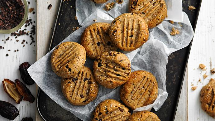 Sugar-free cacao and hazelnut cookies