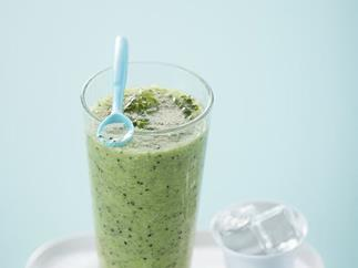 Kiwifruit and mint frappé