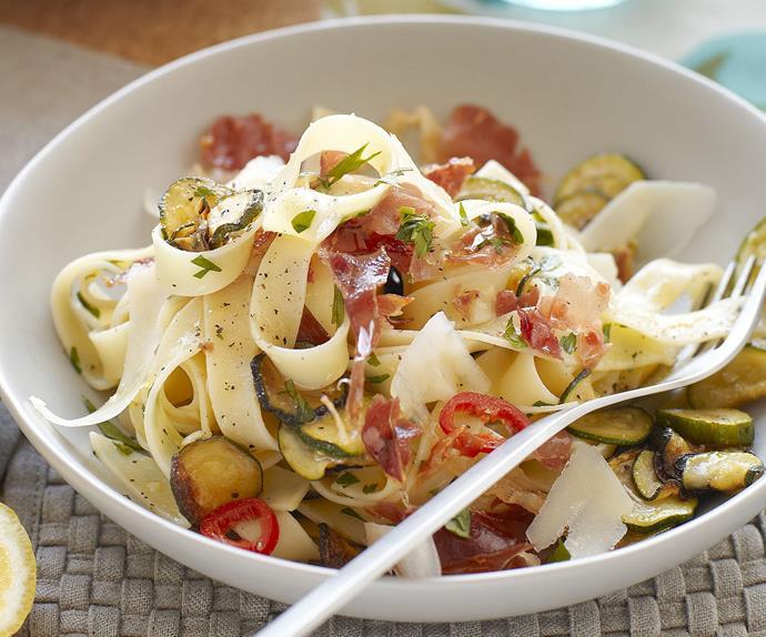 Tagliatelle with zucchini and prosciutto