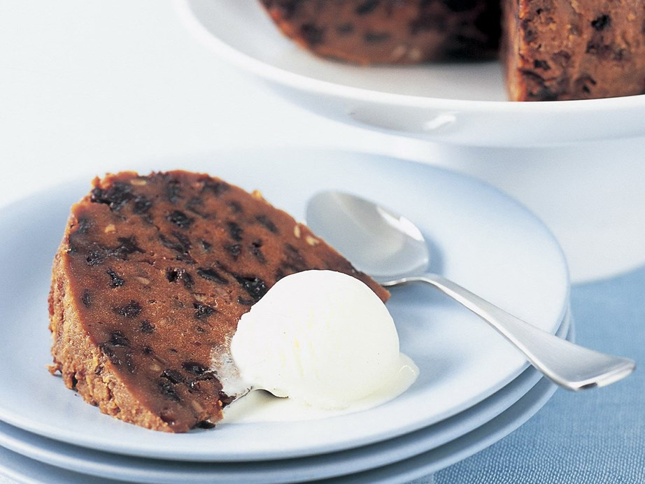 "**[Easy Christmas pudding](https://www.womensweeklyfood.com.au/recipes/easy-christmas-pudding-6908|target=""_blank"")** A simple Christmas pudding recipe that's bursting with fruit and lightly spiced."